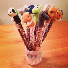 Pretzel rods with finger puppets! Birthday Treats, Party Treats, Party Snacks, Build A Bear Party, Diy For Kids, Crafts For Kids, Happy Foods, Cooking With Kids, Inspirational Gifts