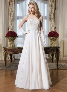 The A Team: 10 A-Line Wedding Gowns