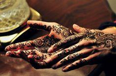 Mehndi (henna tattoos) that is beautiful Styles