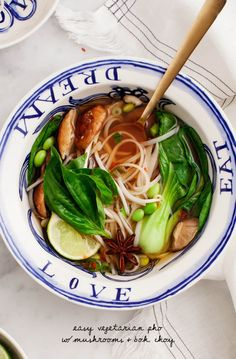 Vegetarian Pho Easy Vegetarian Pho - a simple take on the classic Vietnamese noodle soup. Vegan and Gluten Free.Easy Vegetarian Pho - a simple take on the classic Vietnamese noodle soup. Vegan and Gluten Free. Veggie Recipes, Asian Recipes, Whole Food Recipes, Soup Recipes, Cooking Recipes, Mexican Recipes, Dinner Recipes, Bok Choy Recipes, Asian Foods