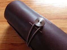 Ledr - Leather Tool Roll by Dave & Calvin Laituri http://www.yankodesign.com/2014/05/13/a-tool-roll-for-the-rest-of-us/