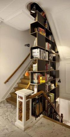 Stairwell / Bookcase. - photo via ArchiEli on fb