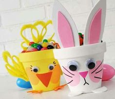easter decorations 811351689088795876 - 3 Kid Friendly Easter DIY Project Ideas including these cool crafted clay pot chick and bunny 🙂 Source by sunshinesuewade Flower Pot Crafts, Clay Pot Crafts, Flower Pots, Easter Projects, Craft Projects, Project Ideas, Craft Ideas, Fun Ideas, Ideas Party