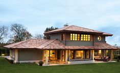 A House That Blends Rural Style With Innovation, Spain Interior Design Living Room Warm, Frank Lloyd Wright Buildings, Spanish House, Village Houses, Home Fashion, Architecture, Exterior Design, Bungalow, House Plans