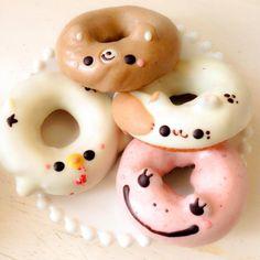Cute Donuts, Mini Donuts, Baked Donuts, Cute Snacks, Cute Food, Coffee Presentation, Doughnut Shop, Cakes Plus, Food Tech