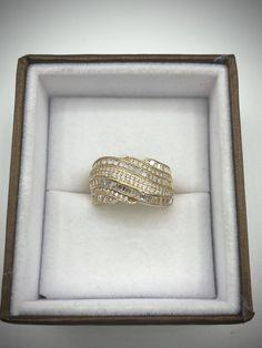 Bague en or jaune avec cubiques zirconiums Wedding Rings, Engagement Rings, Jewelry, Yellow Gold Rings, Engagement Ring, Enagement Rings, Jewlery, Jewerly, Schmuck
