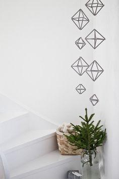 Beautiful, simple Danish Christmas DIY inspiration - geometric garlands. Bjørn Johan Stenersen - 2 at Home - Bo bedre