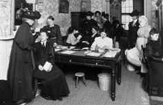 Museum of the City of New York / Getty ImagesAn all-female staff assists female clients at the office of the Travelers' Aid Society of New York City in 1909. The charitable organization provided assistance to immigrants of both sexes upon their arrival at either Grand Central or Pennsylvania Station.