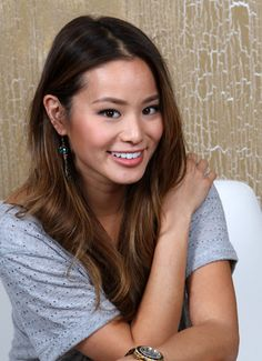 Jamie Chung as Linh Pearl Hair Color Highlights, Hair Color Balayage, Ombre Hair, Brown Highlights, Hair Color Purple, Brown Hair Colors, Apple Cider Hair, Dark Blonde Balayage, Honey Brown Hair