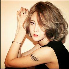 Medium Waved Golden Hair  #Soonnsiki #Soonsikihair #hongdaeSALON #hongdae #haircut #hairsalon #hair #sexy #golden #dye #medium #length