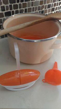 Test és Forma Homemade Beauty Recipes, Natural Cleaning Recipes, Natural Cleaning Products, Hacks Diy, Cleaning Hacks, Laundry Hacks, Household Chores, Mish Mash, Homemaking