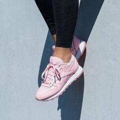 Sneakers femme - Reebok Classic Leather x Face Stockholm (©43einhalb)