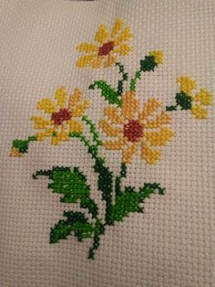 1 million+ Stunning Free Images to Use Anywhere Small Cross Stitch, Cross Stitch Kitchen, Cross Stitch Borders, Cross Stitch Rose, Modern Cross Stitch, Cross Stitch Flowers, Cross Stitch Designs, Cross Stitch Patterns, Hand Embroidery Stitches