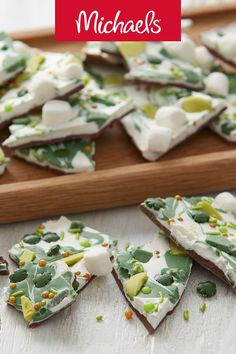 Candy bark is easy to make using Wilton® Candy Melts®. Whether you are Irish or not, you'll love making and eating this St. Patrick's Day treat! Fun Food, Good Food, Wilton Candy Melts, Candy Bark, Green Candy, Chocolate Bark, Mini Marshmallows, Saint Patrick, Candy Making