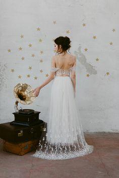 Polvere di stelle per la nuova collezione di Nadia Manzato #weddingdress #bridalfashion #sposa