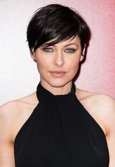 Looking for pixie hairstyle with fringes? Here we have gathered 35 Pixie Cut with Fringe that make you want a pixie cut! One thing for sure short haircuts. Short Hairstyles 2015, Pixie Hairstyles, Short Haircuts, Hair Styles 2016, Short Hair Styles, Emma Willis Hair, Celebrity Short Hair, Crop Hair, Short Hair Cuts For Women