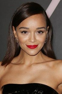 You need to see this make-up tutorial by Ashley Madekwe