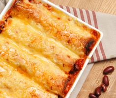 Vegetarian easy to make enchiladas. And they taste really good too! Served mine with guacamole and gräddfil