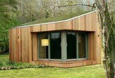 modern shed with green roof : Outdoor Modern Shed. contemporary backyard sheds,modern shed homes ideas,modern shed ideas,modern storage shed,outdoor modern shed Backyard Office, Garden Office, Small Buildings, Garden Buildings, Office Buildings, Shed Design, House Design, Door Design, Garden Design