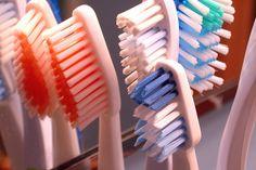 Goed tanden poetsen kan hart- en vaatziekten voorkomen.