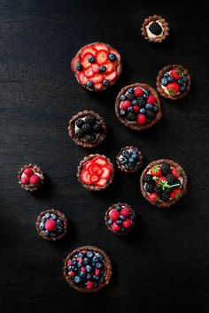 """fruit > berry > fruit tarts > blueberry / blackberry / raspberry: """"Fourth of July Berries & Cream Tartlets"""" by Rikki Snyder Photography Fruit Recipes, Sweet Recipes, Doce Banana, Delicious Desserts, Yummy Food, Cupcakes, Food Design, I Love Food, Fresh Fruit"""