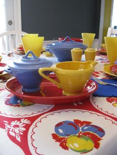 images of colorful old dishes | ... Your Table With Homer Laughlin Dishes And Colorful Vintage Tablecloths