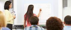 Das interaktive Whiteboard ist für manche Lehrerinnen und Lehrer Fluch und Segen zugleich:  Wir zeigen Ihnen, wie Sie die digitale Tafel schnell, ein