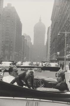 Garry Winogrand, Park Avenue, New York, 1959 © The Estate of Garry Winogrand, courtesy Fraenkel Gallery, San Francisco