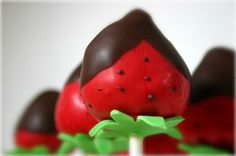 Chocolate Covered Strawberry Cake Pops!