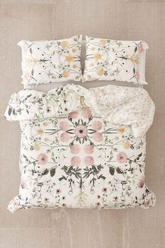 Shop Daniella Floral Bedspread at Urban Outfitters today. We carry all the latest styles, colours and brands for you to choose from right here. Floral Bedspread, Floral Comforter, Floral Bedroom, Dorm Bedding, Bedding Sets, Queen Bedding, Console, Urban Outfitters Home, Home Decor Bedroom