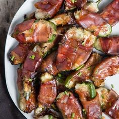 Grilled Jalapeño Poppers with Brie and Prosciutto - Vindulge Smoked Pulled Pork, Smoked Beef Brisket, Smoked Pork Shoulder, Lamb Shoulder, Vinegar Based Bbq Sauce, Grilled Jalapeno Poppers, Grilled Romaine, Grilled Tuna, Easy Bbq Sauce