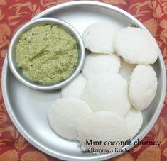 Tamilnadu hotel style pudina thengai chutney/Mint chutney with coconut