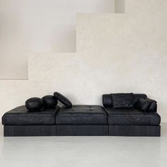 black leather patchwork sofa bed by De Sede. Made in Switzerland. Patchwork Sofa, Sofa Bed, Couch, Sofa Pillows, Interior Decorating, Interior Design, Apartments Decorating, Decorating Bedrooms, Decorating Ideas