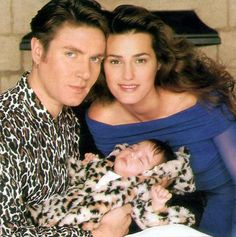1989 - Simon Le Bon (Duran Duran) and wife Yasmin (supermodel) with their newborn daughter Amber Rose.
