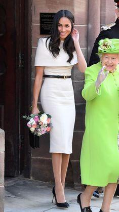 12 Best Elegant Looks of Sussex Duchess meghan markle Estilo Meghan Markle, Meghan Markle Dress, Meghan Markle Outfits, Meghan Markle Style, Meghan Markle Clothes, Cape Dress, Dress Up, Swag Dress, Dress Shoes