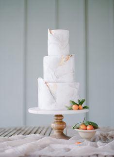 Bride to Be Reading Elegant Grey Marble Wedding Cake. Bride to Be Reading Elegant Grey Marble Wedding Cake. Summer Wedding Cakes, Cool Wedding Cakes, Beautiful Wedding Cakes, Wedding Cake Designs, Beautiful Cakes, Elegant Wedding, Gold Wedding, Wedding Set, Purple Wedding