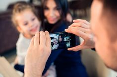 ¿Has pensado quien ve realmente las fotos de tus hij@s ue subes a Facebook? Engagement Rings, Internet, Facebook, Love, Taking Notes, Thinking About You, Hipster Stuff, Sons, Social Networks