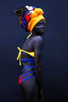 Beauty and the Turban. African Beauty, African Fashion, Black Is Beautiful, Beautiful People, Moda Afro, Viviane Sassen, Beauty And Fashion, Ladies Fashion, Women's Fashion