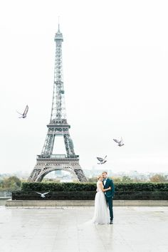 A Lovely Paris Elopement to inspire your destination wedding. #elopementwedding #destinationweddingideas #weddingphotography
