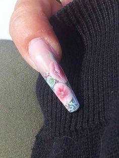 One Stroke negle af Nail4you.dk, flot nail art negle håndmalede i teknikken One stroke.