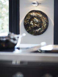 Solo exhibition Pleunie Buyink at Siematic Flagship Store Amsterdam photographer Roel van Koppenhagen Art Object, Art Pieces, Objects, Sculpture, Shapes, Amsterdam, Villa, Gems, Van