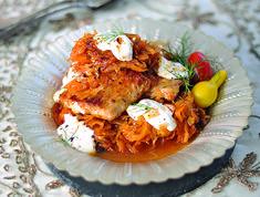 Egy finom Harcsás savanyú káposzta ebédre vagy vacsorára? Harcsás savanyú káposzta Receptek a Mindmegette.hu Recept gyűjteményében! Tandoori Chicken, Turkey, Meat, Ethnic Recipes, Food, Koken, Peru, Beef, Meals