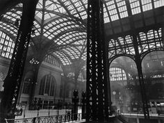 http://www.beetlesandhuxley.com/sites/default/files/stock-images/PENNSYLVANIA-STATION-NEW-YORK-1936-1-C29706.jpg