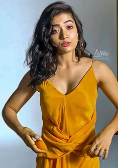 South Indian Actress Photo, Indian Actress Hot Pics, Indian Actresses, Most Beautiful Bollywood Actress, Beautiful Actresses, Hot Images Of Actress, Bollywood Girls, Cute Girl Pic, Celebrity Gallery