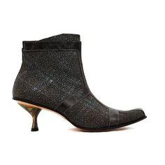 Cydwoq Artisan Women's Boots, Black | shopeechicago.com