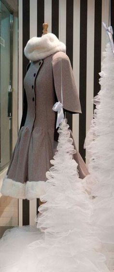 #Neressa #LaFenice #Window #Escaparate #Asun_Dominguez Visual Merchandising, Victorian, Windows, Facebook, Style, Collection, Dresses, Fashion, Window Displays