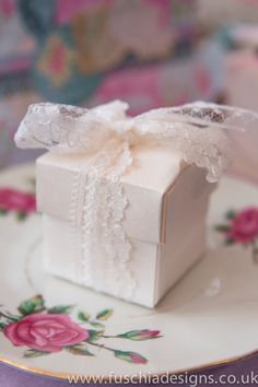 Vintage lace wedding favour. www.fuschiadesigns.co.uk