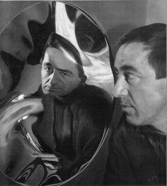 Pol Bury, Autoportrait en miroir