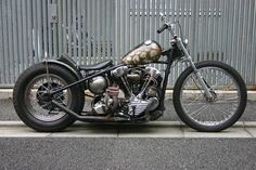 Knucklehead hardtail custom with spherical oil tank