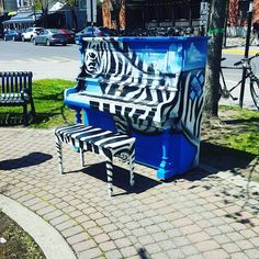 Its the little things you might find when wandering around.  Stumbled upon this zebra this morning! Love the colors! And the vibe :) love randomn pianos. And zebras.  #mtlblog #narcitymontreal #vsco #photooftheday #vieuxlongueuil #longueuil  #travel #travelgram #instatravel #wanderlust #traveling #traveltheworld #trip #igtravel #tourist #travelpics  #ilovetravel #instago #photography  #vsco  #explore #traveldeeper #instavacation #travelblogger #travelingram #sea #traveler by…